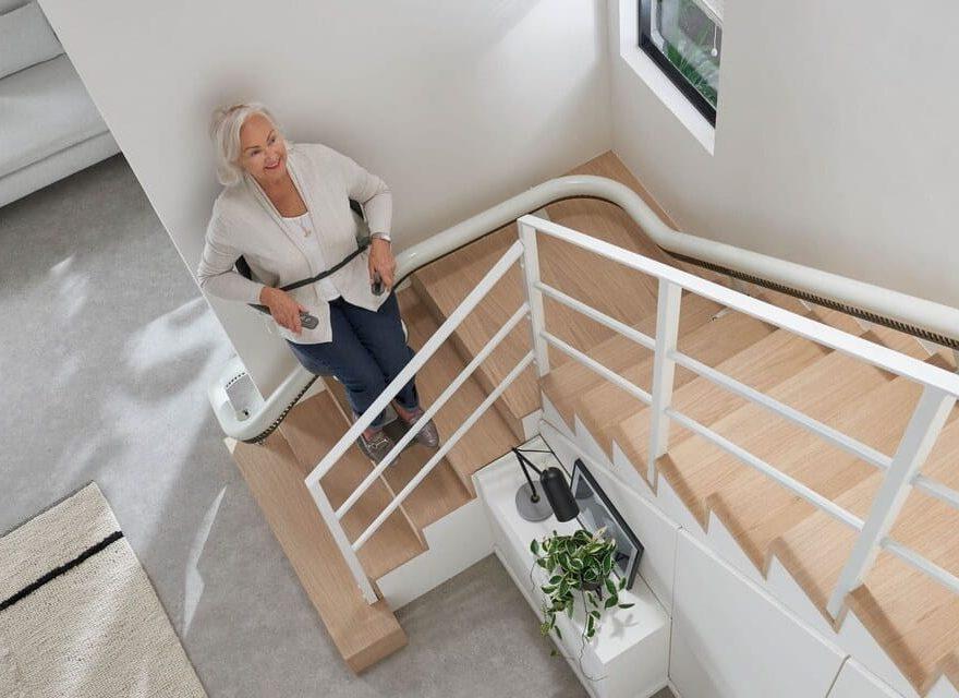 monte escalier pour personne âgée